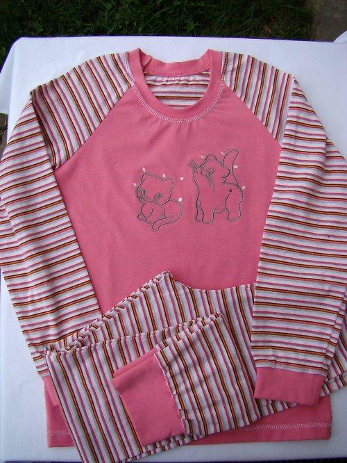 dívčí pyžamko -134-140