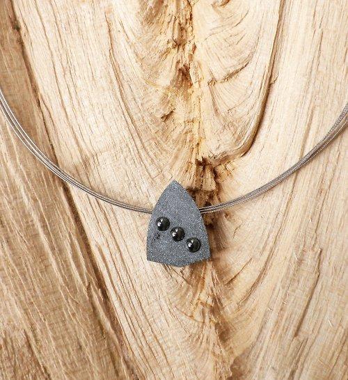 Hematitový náhrdelník - trojoký