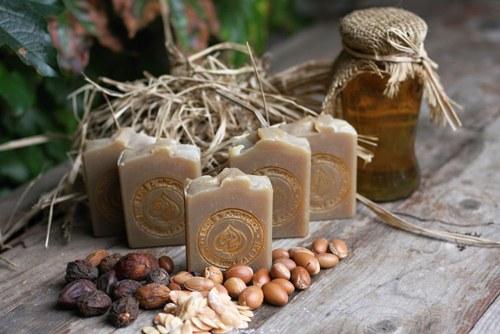 HEDVÁBNÝ ARGAN - tuhý šampon
