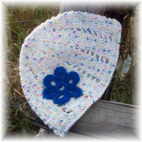 Světlá s modrou květinkou
