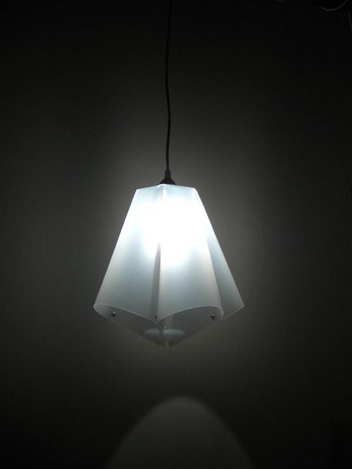 závěsné svítidlo Světlokvět Něžnivý