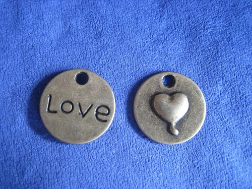 Láska, cena je za 2 ks