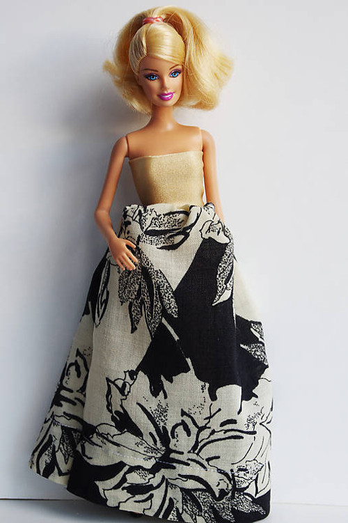 RETRO šaty pre Barbie