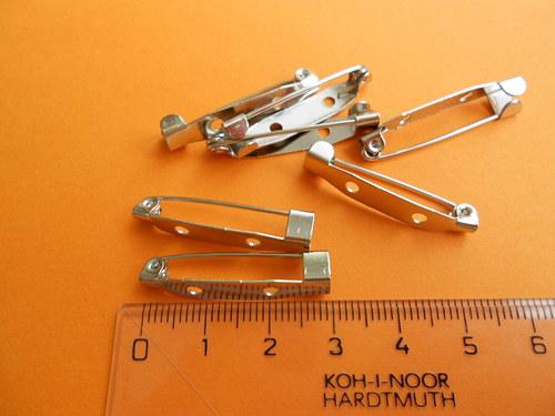 Špendlík, brož, 30*5mm, 10 kusů = 25Kč