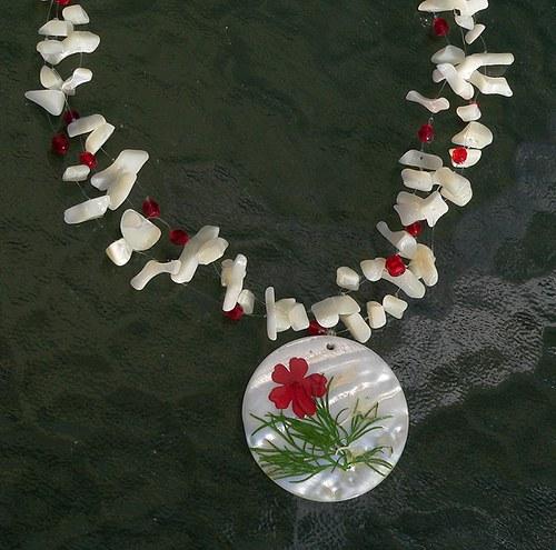 výprodej ze 194,- perleťový náhrdelník