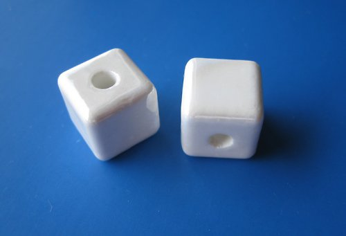 Porcelánové kostičky cena za 2ks - barva bílá