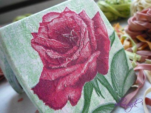Recy-zrcátko s růží