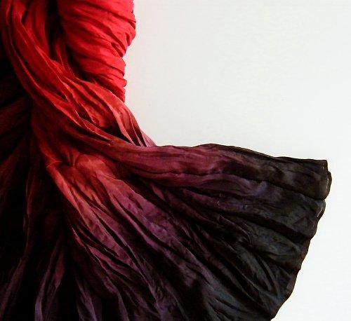 Ďábelská...červenočerná hedvábná sukně