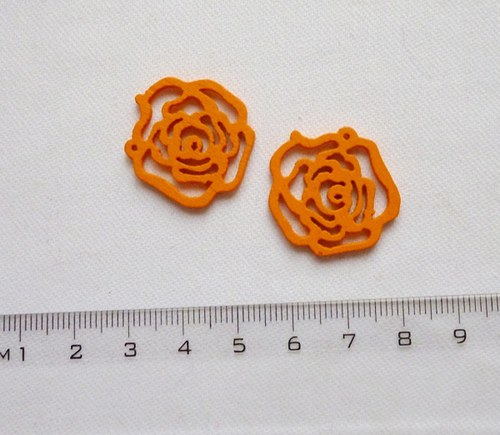 Dřevěné ramínko -oranžové (cena za 2 ks)