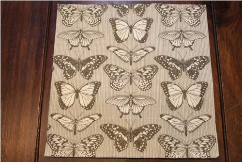 Ubrousek -motýlci (33cm x 33cm)