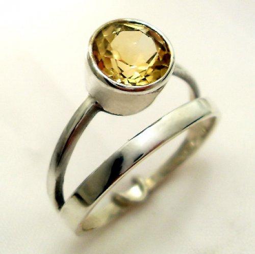 Prsten «Jezero» - stříbro 925, přírodní citrín