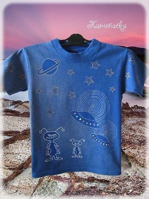 Ručně malované tričko UFO