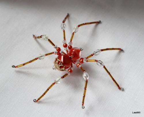 Pavouček pro arachnofobiky:-) lososovo zlatý