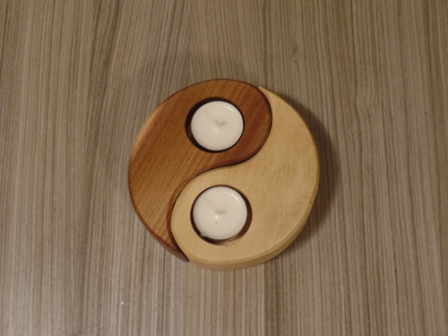 Dřevěný svícen jing jang
