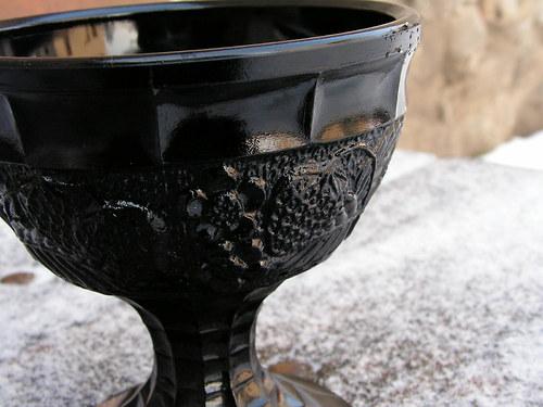 Černý skleněný pohárek