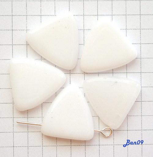 Bílé trojúhelníky