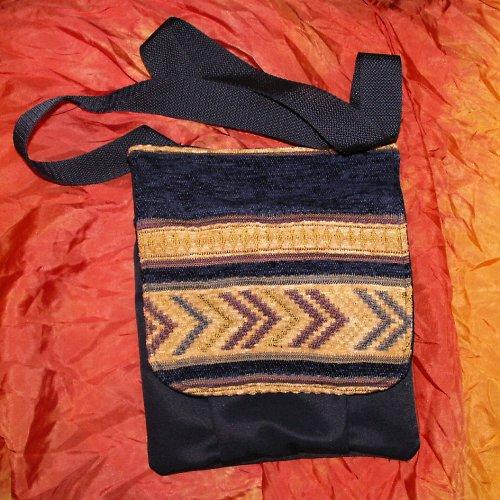 šitá taška s klopu