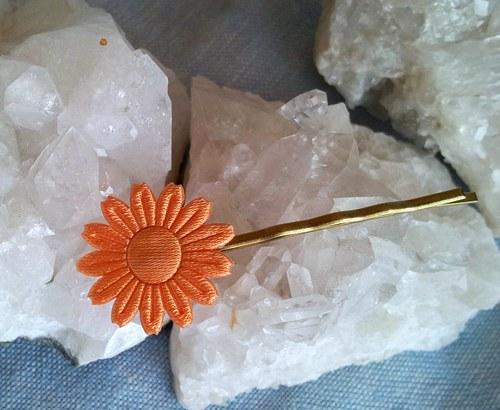 Saténová květinka do vlásků - oranžová na zlaté