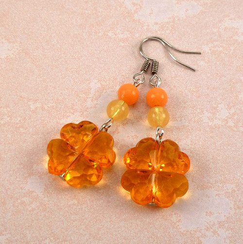 náušnice oranžové čtyřlístky