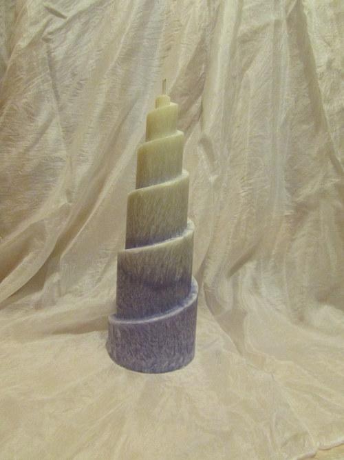 Zasněžená fialová spirála