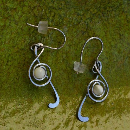 Houslové klíče s perletí
