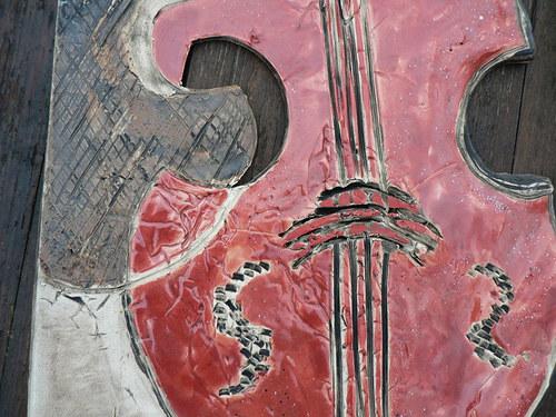 Červený nástroj hudby ..