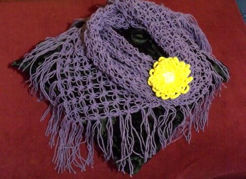 Fialový šátek lehký jak peříčko