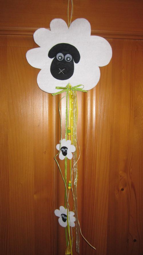 Ovečka na dveře