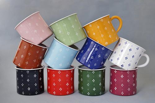 Kafáč 10 cm 4puntík různé barvy 0,5L