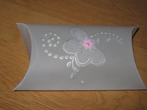 Krabička z papírové krajky