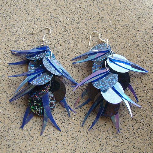 náušnice - flitrové tmavěmodré střapce