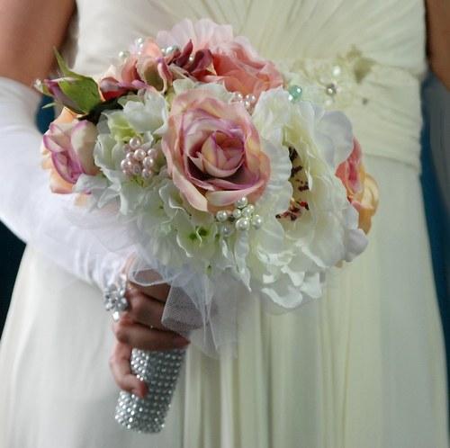 Shabby chic powder svatební kytice  + korsáž