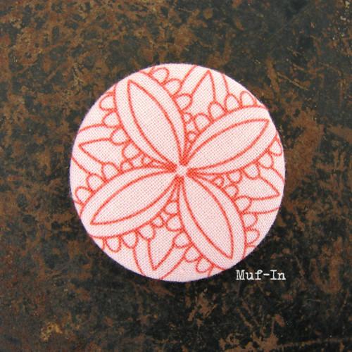 Brož (button, placka) růžová, 4 cm