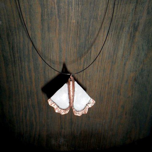 Noční motýl Bianco