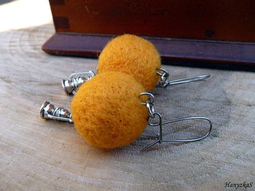 Náušnice: Žlutě svítící lampičky ...