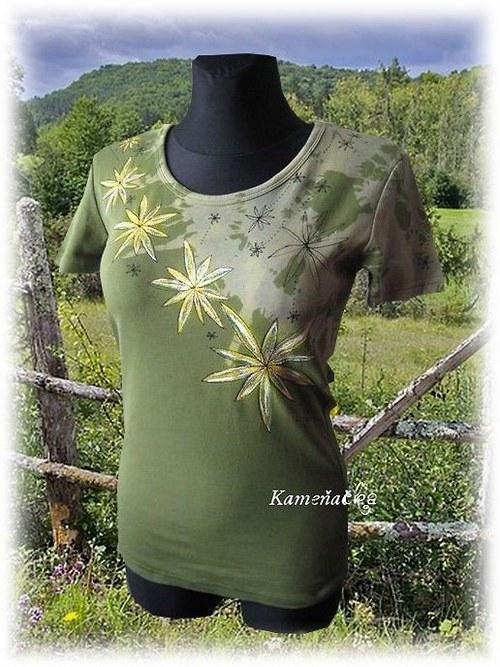 dásmké tričko -padající květy
