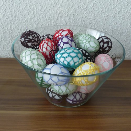 Háčkovaná velikonoční vajíčka