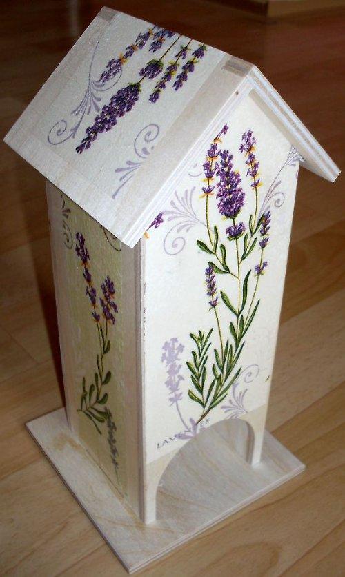 Dřevěný domeček na čaj