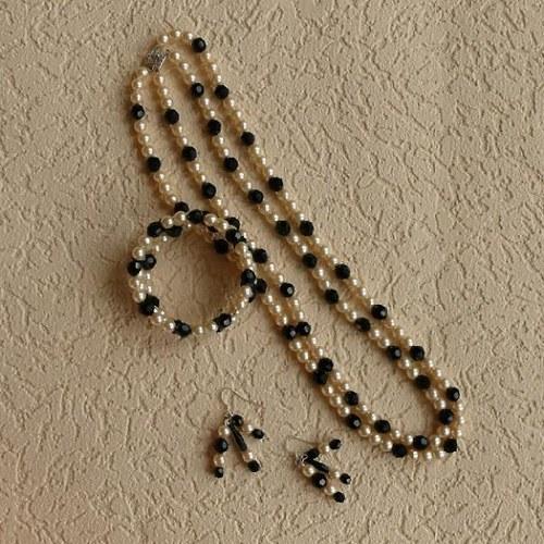 náhrdelník  dvouřadý - černobílé koráke