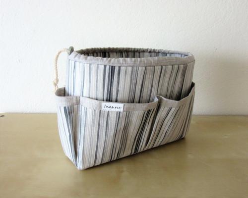Organizer do kabelky pásikavý