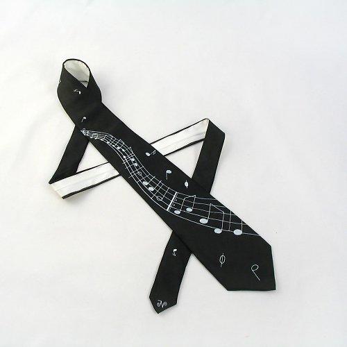 Černá kravata s notovou osnovou a notami
