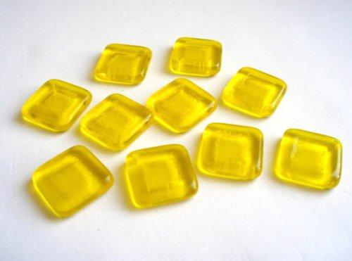 Visátko čtverec žlutý2