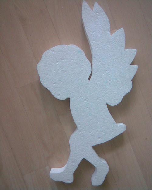 Andělíček běžící cca 40 x 22 cm - polystyren