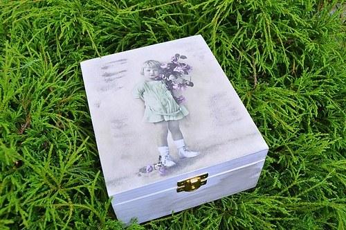 Krabička na čaj, šperkovnice- holčička s růžemi