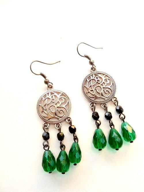 Zelená s ornamenty