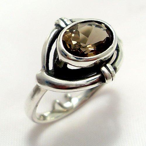 Prsten «Ovál» - stříbro 925, přírodní záhněda