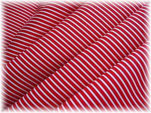 bavlněná látka,červený proužek