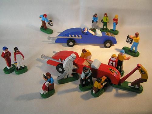 Pretekári na gumový pohon - drevená hračka