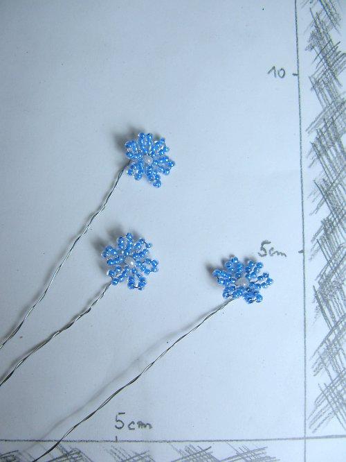 Kytička korálková modrá jeden květ