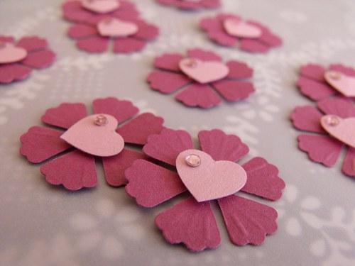 Kytičky růžové se srdíčkem 10 ks